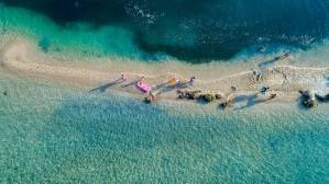Read more about the article Γαλάζιες σημαίες 2019: Αυτές είναι οι πιο καθαρές παραλίες για φέτος