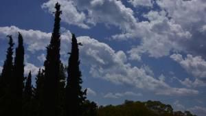 Καιρός: Πρόσκαιρες βροχές και καταιγίδες την Παρασκευή