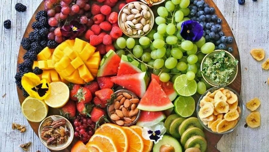 Αυτά είναι τα φρούτα του Ιουλίου και τα οφέλη τους