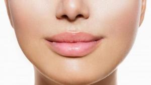 Σπιτικά προϊόντα ενυδάτωσης για τα χείλη