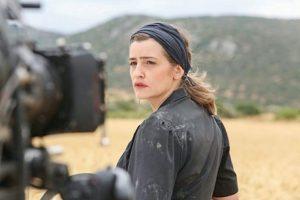 ΑΓΡΙΕΣ ΜΕΛΙΣΣΕΣ – Εξελίξεις: Η Ελένη αποφασίζει να ομολογήσει και να παραδοθεί