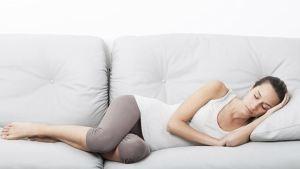 Ο μεσημεριανός ύπνος προστατεύει από τις καρδιακές προσβολές και τα εγκεφαλικά επεισόδια