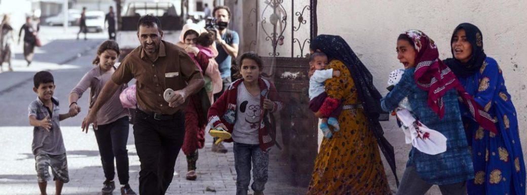 Συρία: Φρικτές συγκρούσεις με νεκρούς και 60 χιλ. εκτοπισμένους άμαχους – Διεθνής καταδίκη κατά της Τουρκίας