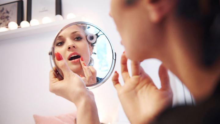 Πώς μπορείτε να προσβληθείτε από τον κορωνοϊο μέσω των καλλυντικών σας