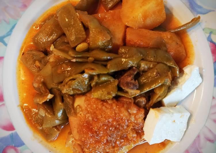 Φασολάκια λαδερά με κοτόπουλο και πατάτες!