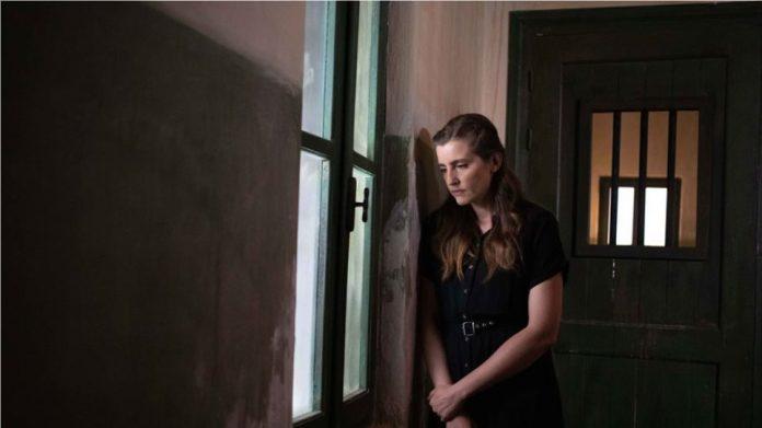 Read more about the article ΑΓΡΙΕΣ ΜΕΛΙΣΣΕΣ – Εξελίξεις: Η Ελένη πέφτει θύμα βιασμού! Η Δρόσω μένει στον δρόμο