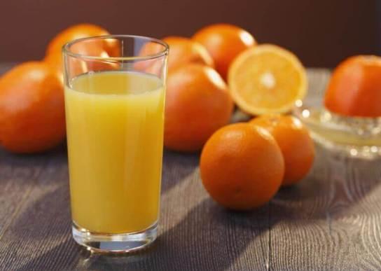 Χυμός με πορτοκάλι, καρότο και μαγιά μπύρας