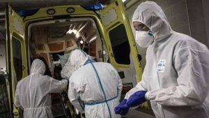 Κορωνοϊός: Έξι άτομα κατέληξαν τις τελευταίες ώρες – 711 οι νεκροί στη χώρα