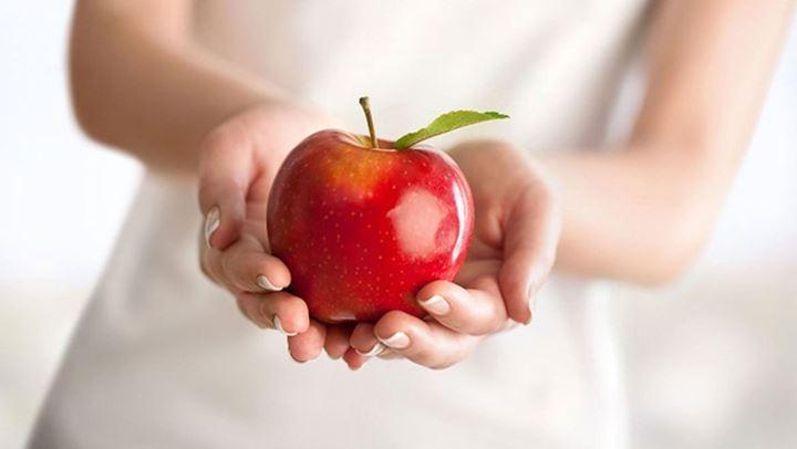 Μάσκα με μήλο και κανέλα για δέρμα σαν μωρό