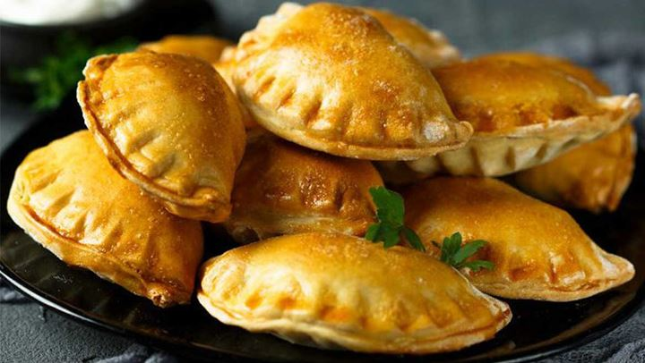 Read more about the article Εύκολη συνταγή για τυροπιτάκια κουρού