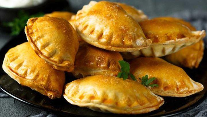 Εύκολη συνταγή για τυροπιτάκια κουρού