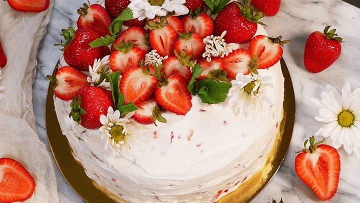 Αφράτο κέικ φράουλα