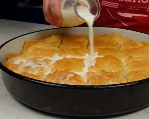 Read more about the article Τυρόπιτα με γάλα: Τραγανή και πεντανόστιμη τυρόπιτα ταψιού, έτοιμη σε 30 λεπτά