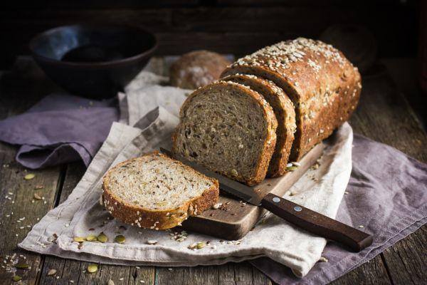 Ζυμώνουμε πολύσπορο ψωμί