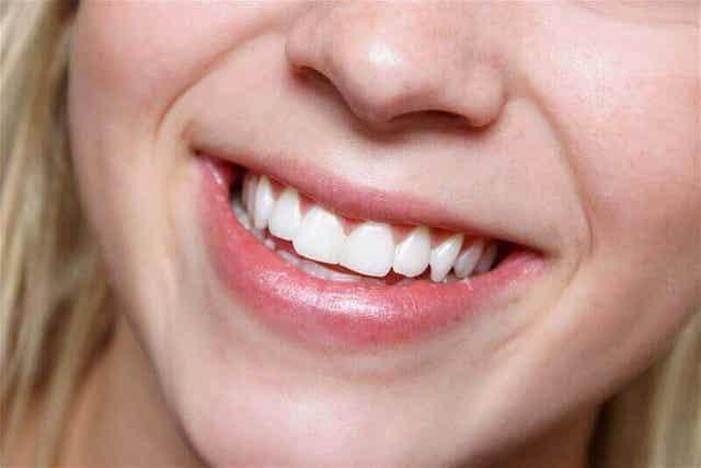 Τα αμύγδαλα ωφελούν τα δόντια