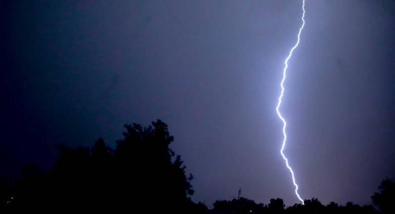 Καιρός - Πέμπτη: Καταιγίδες και χαλάζι σε αρκετές περιοχές