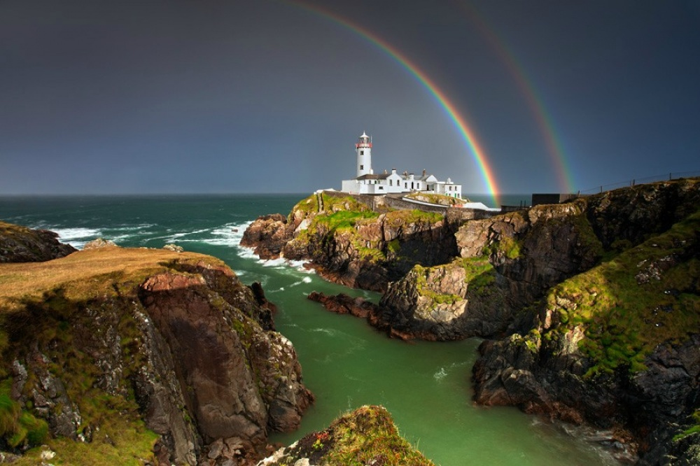 418555-1000-1452074284-the-beautiful-lighthouse-of-lough-swilly-ireland