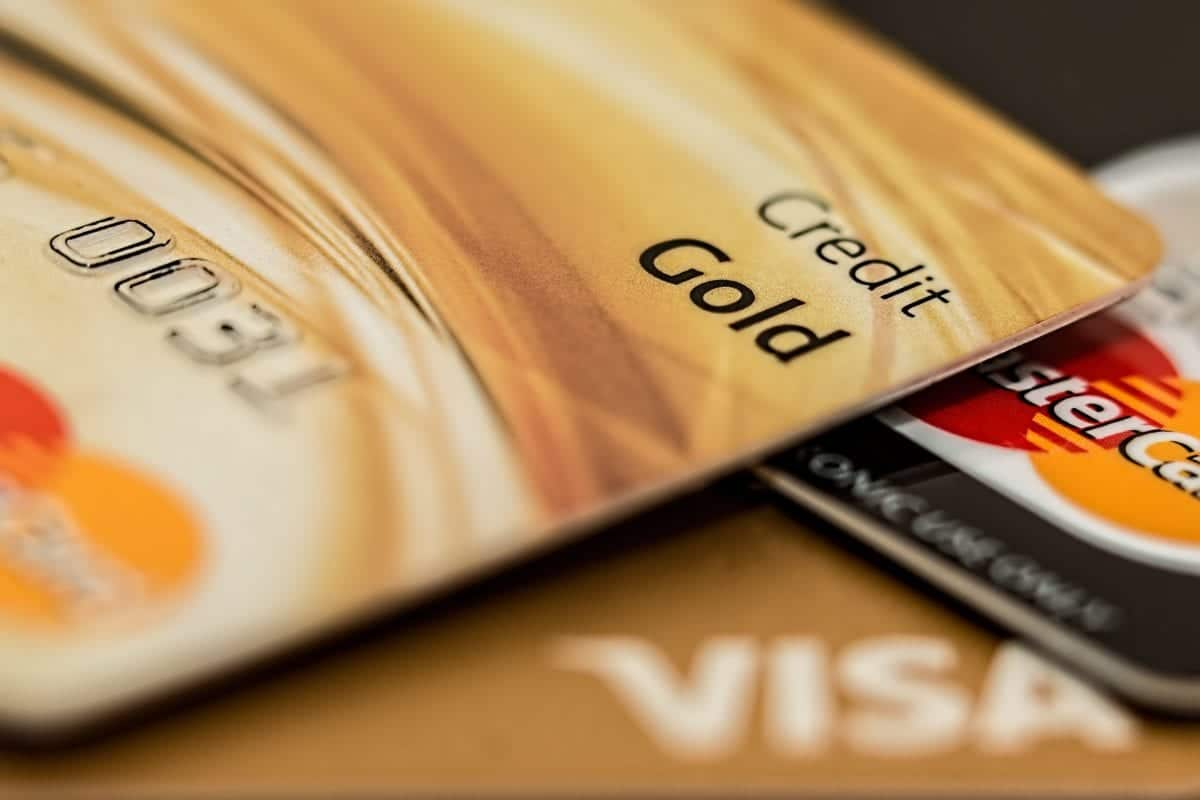 Save Money By Spending Money Using Rewards Credit Cards