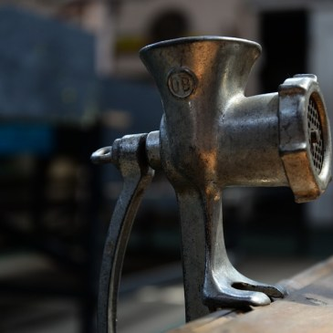 How To Choose The Right meat grinder