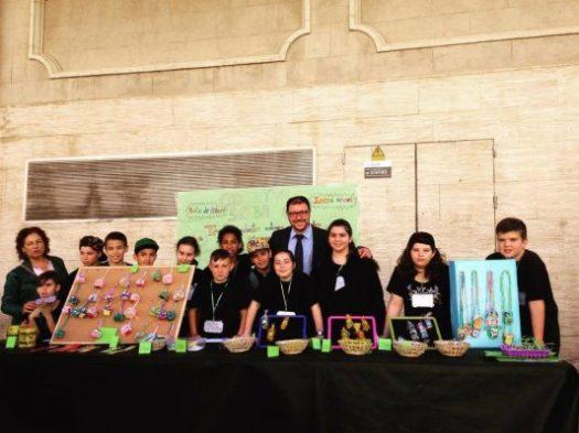 """Apadrinem joves emprenedors: En l'acte de presentació del treball final del projecte sobre """"Emprenedoria a l'escola"""" amb els alumnes apadrinats de l'escola Can Déu de Sabadell. Juny 2017."""