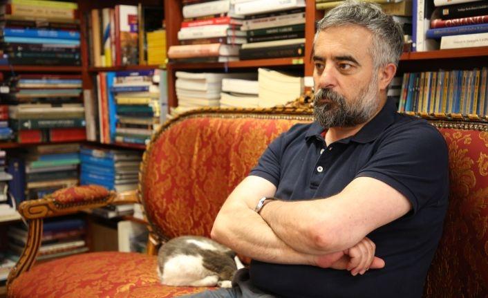 """Ali Ayçil """"Dergâh, gençleri ön plana çıkardığı için yaşlanmayan bir dergi"""""""