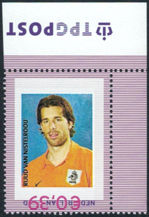 voetballers op de kop afgebeeld Van Nistelrooij