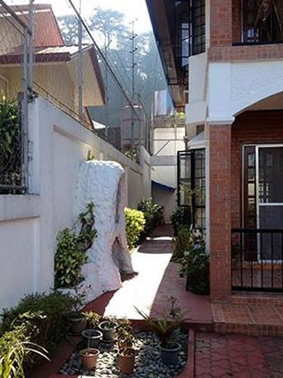 Real Estate Baguio Overviewing House And Lot In A Subdivision