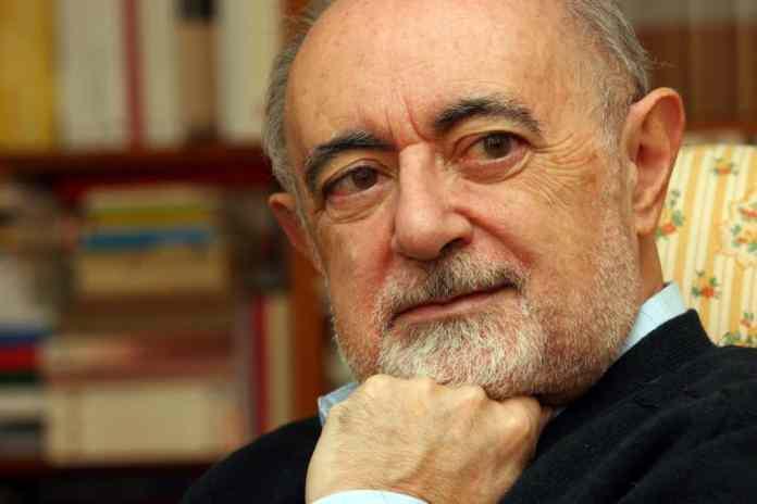 El helenista Carlos García Gual celebra los 20 años de su incombustible Diccionario de Mitos, publicado por Turner libros. Foto por cortesía de Turner libros www.turnerlibros.com