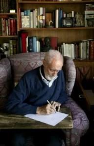 Filosofía & co. - Sampedro escribiendo