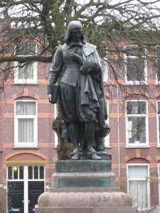 Estatua de descartes en La Haya (Países Bajos). Foto de JohannesJ bajo licencia CC BY-SA 3.0.
