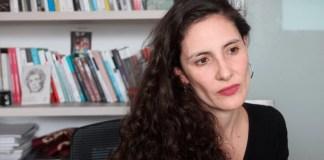 Laura Quintana es profesora del Departamento de Filosofía de la Facultad de Ciencias Sociales de la Universidad de Los Andes. Foto: Marcela Becerra.