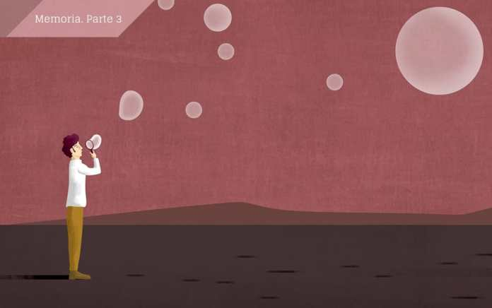 La nostalgia nació como enfermedad en el siglo XVII, pero el tiempo le ha lavado la cara hasta hacer de ella un fenómeno (y hasta un producto) con brillo. Si recordar es volver a pasar por el corazón, la nostalgia debe de hacerle caricias o cosquillas. © Ana Yael