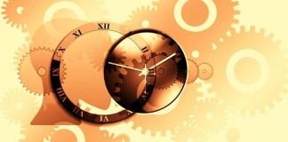 «El filósofo italiano Giacomo Marramao vuelve visible, a partir de una lectura novedosa y crítica, la tergiversación de la filosofía del tiempo platónica, y la permanencia en el error, y en la imposibilidad filosófica de comprender al tiempo humano, como cooperteneciente también de un gran tiempo cósmico», escribe Julieta Lomelí.