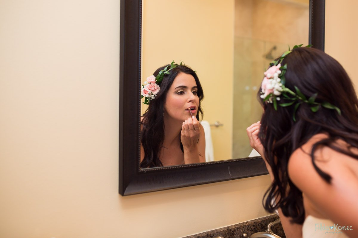 final touches for the bride