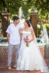 bride and groom at the fountain