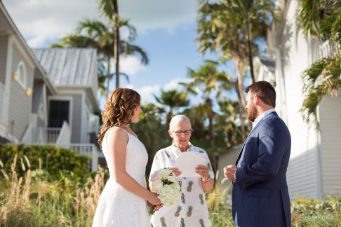 beach weddign ceremony at southernmost beach resort