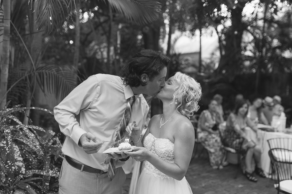 kiss photo of couple married in key west