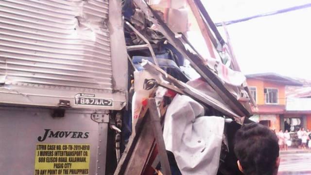 truck accident in marikina 2015