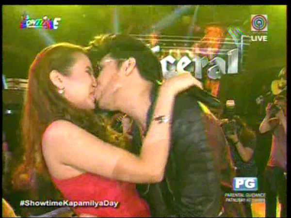 vice ganda kisses karylle showtime anniversary
