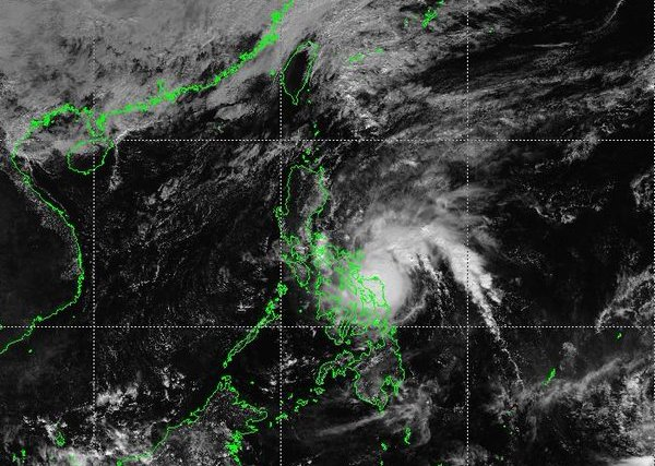 #WalangPasok – Class suspensions for December 15 2015 due to Typhoon Nona