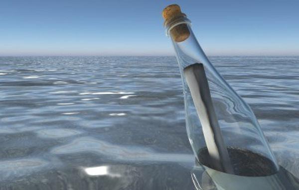 visitatori come bottiglia nel mare