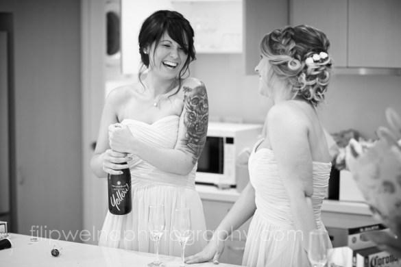 brides-getting-ready-19