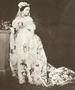 queen-victorias-wedding-gown-2