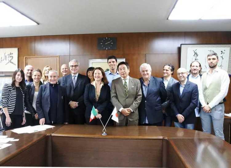 INQUIETO SIA IL GENIO FIRENZE -GIFU Incontro delegazione Italiana con Shigemitzu Hosoe Sindaco di Gifu