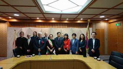 la foto ritraee Incontro con il Governatore della Prefettura di Kyoto Keiji Yamada