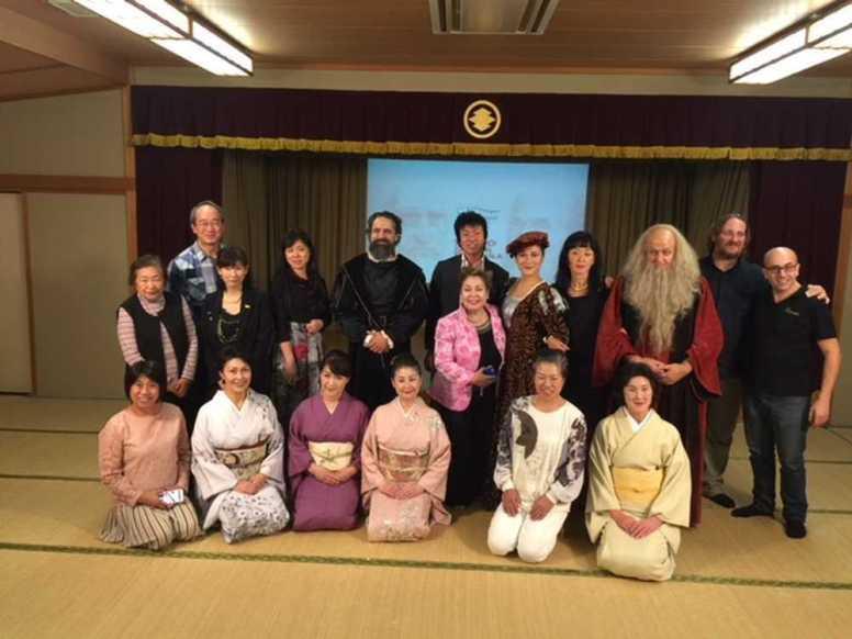 foto di gruppo con gli organizzatori di Nara