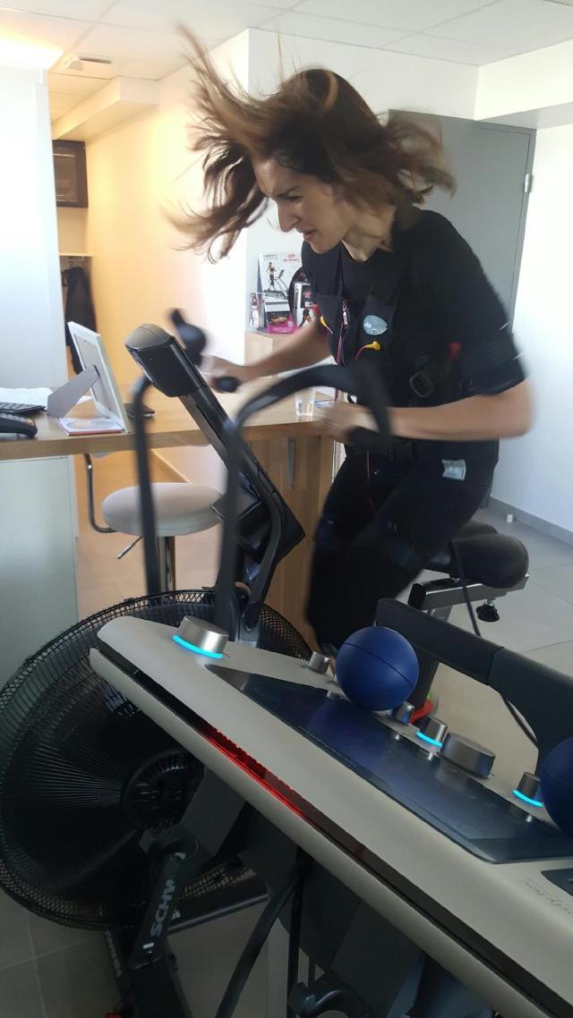 mihabodytech-paris-fille-a-fitness