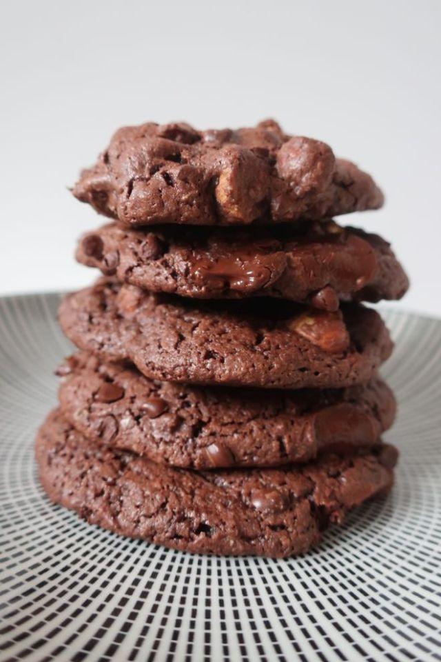 Cookies vegan chocolat, une recette facile, avec la saveur des noisettes grillées.