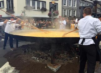 Giant omelet made in Belgium
