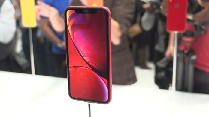 iPhone XR, sold 9 million units, during its opening weekend, Less than Predictions, Analyst claims